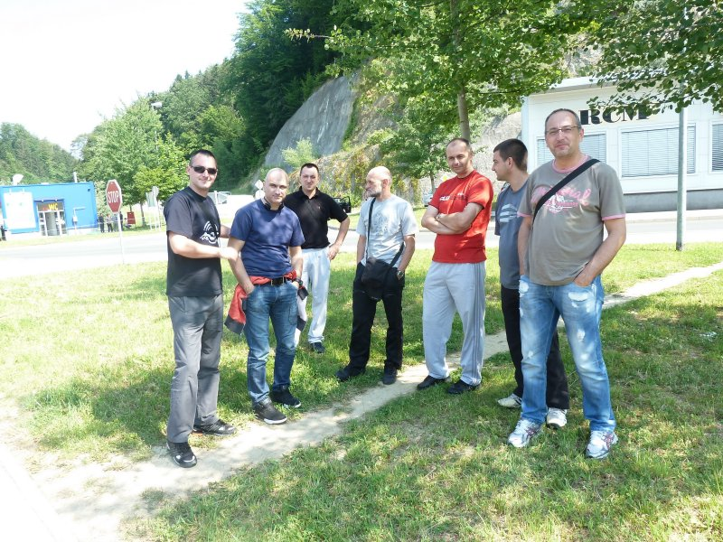 Granica slovenije, pauza dok se svih 845678 stavki provjeri na carini :)
