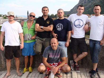 Na Starom mostu u Mostaru
